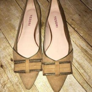 Tesori D'orsay  tan flat women's shoes